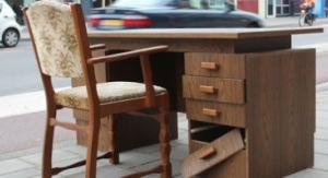 broken-office-desk